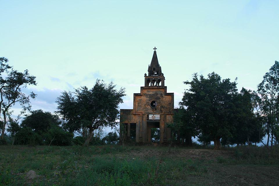 Nhà thờ cũ 57